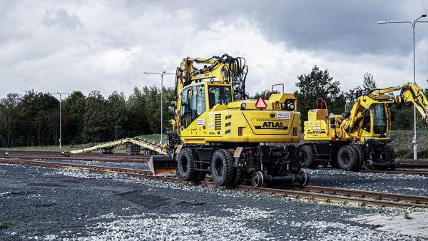 Kvalita dvoucestných rypadel ATLAS prověřená firmou STRABAG Rail